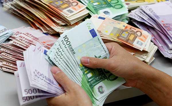 Surse de împrumut, Băncile comerciale, Creditul comercial, Finanţarea achiziţionării de echipamente, Împrumuturile guvernamentale, Programele internaţionale